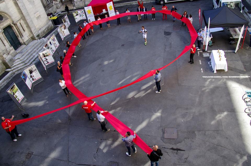"""La Boucle du ruban rouge #2 – """"Les citoyens sont encore bloqués dans le sida des années 80"""""""